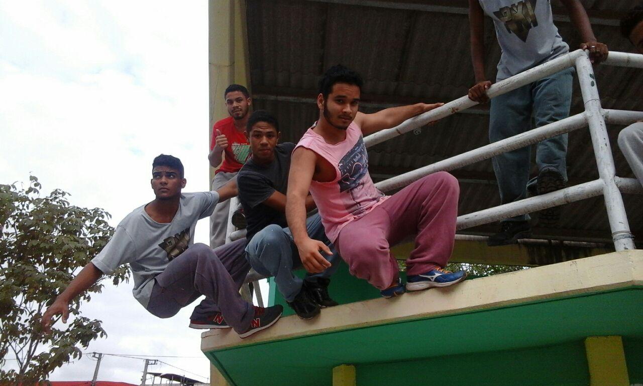 Estudantes popularizam o Parkour nas ruas da cidade