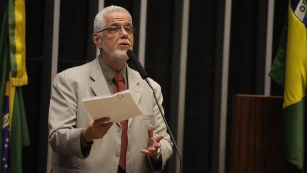 Jorge Solla inpede o contingenciamento de recursos para o Mais Médico